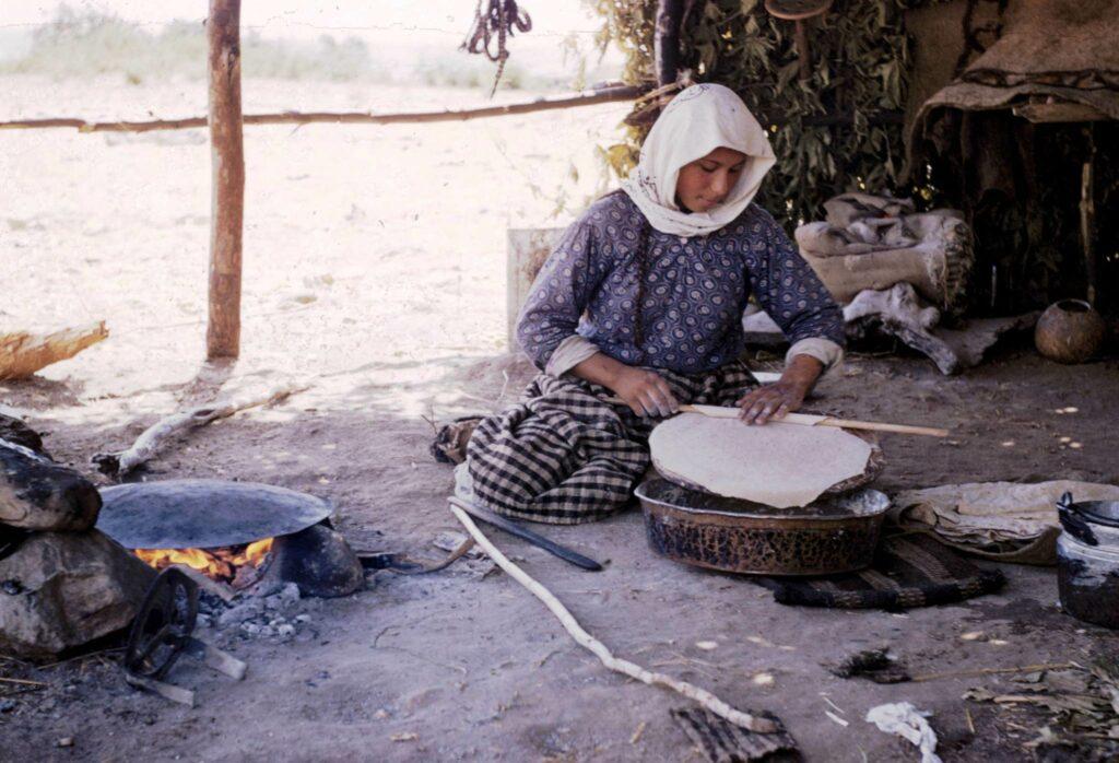 Olimpos-Çıralı'da bir Yörük kadını. 1954, (Prof. Machteld Mellink arşivi)